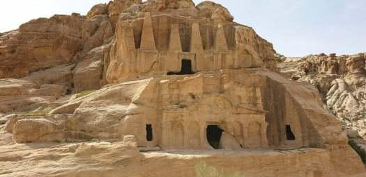 tomba-obelisco-petra