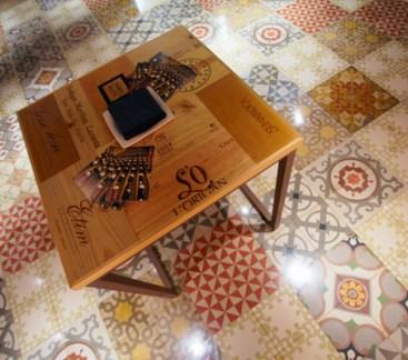 Detall de taula i terra
