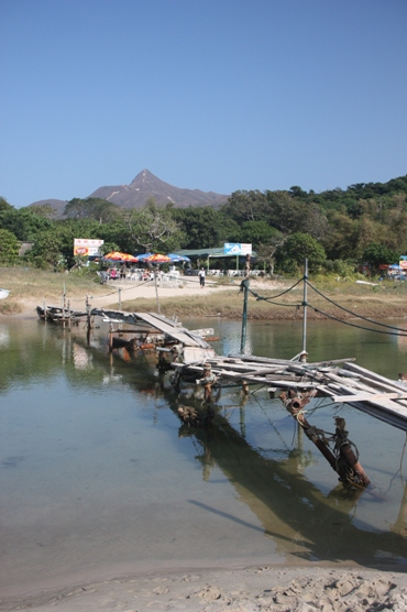 破舊的木橋