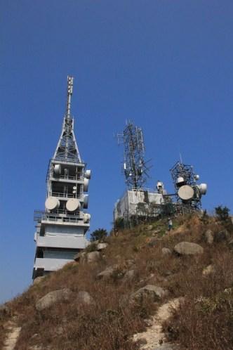 發射塔的後方