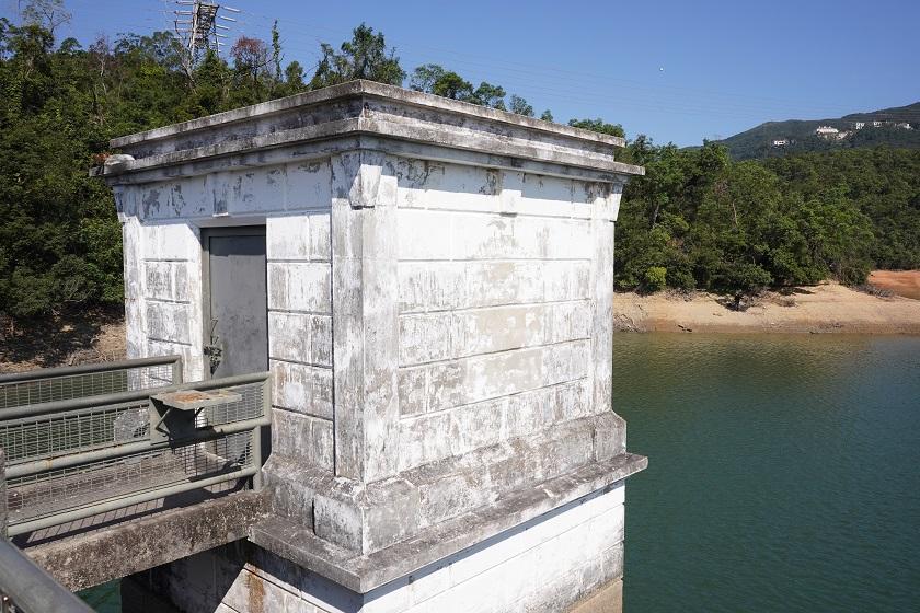香港仔水塘下水塘水掣房 (二級歷史建築物) – 隨我行 FolloMe