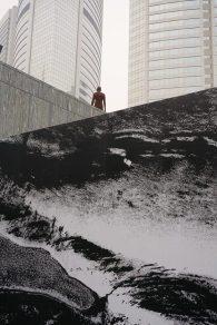 香港最後一座藝術家Antony Gormley的人型雕像