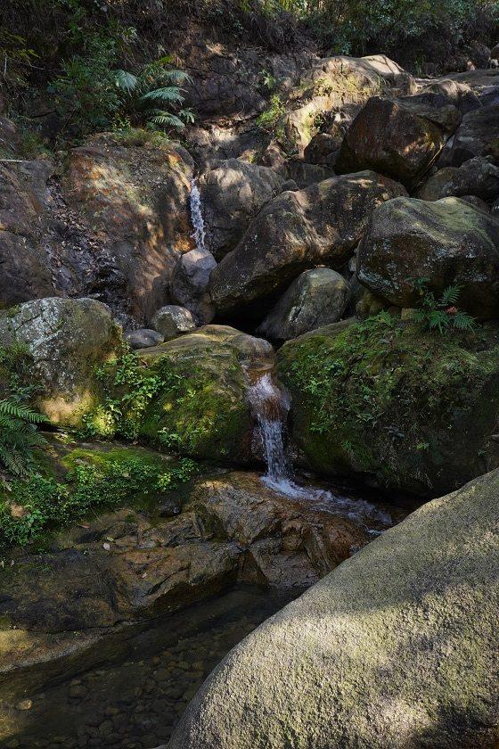 石澗的小瀑布