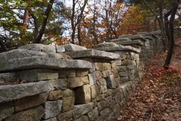 8米高的女牆