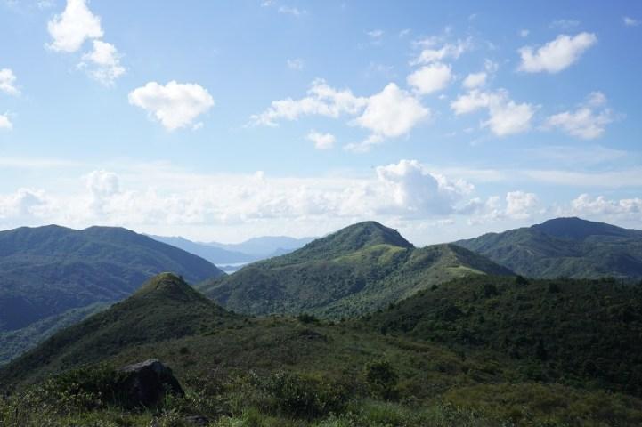 左起雞公山、雷打石和畫眉山