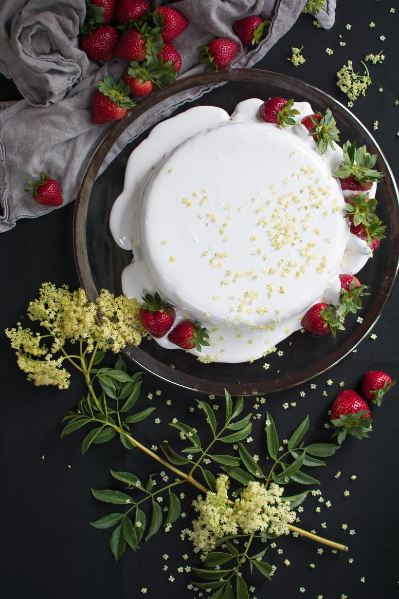strawberry-genoise-cake