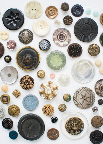 Curating Buttons:  The Lore of the Artisan