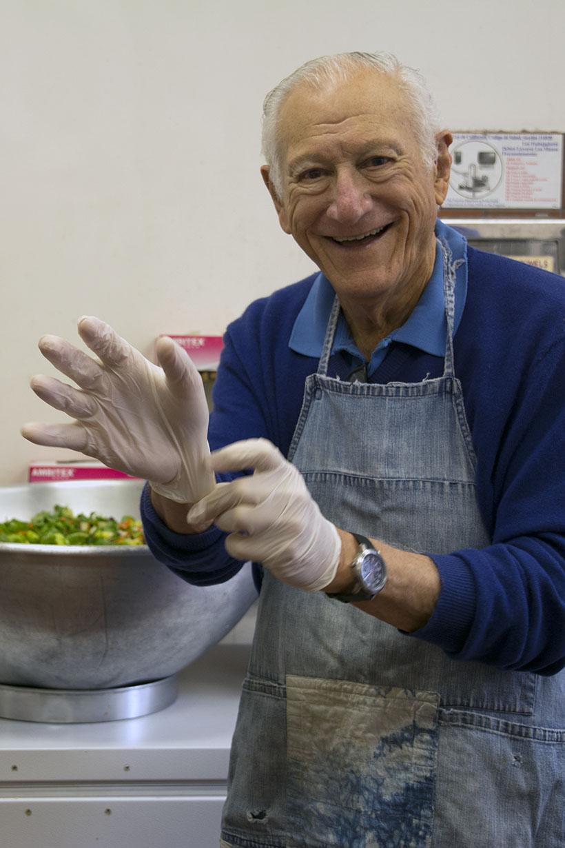 Bob Gloved Hands