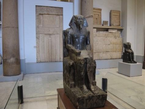 Statue des Pharaos Chephren, Erbauer der zweiten Pyramide von Gizeh (2.550 v. Chr.)