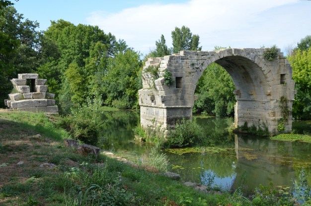 The Pont Ambroix, Ambrussum © Carole Raddato