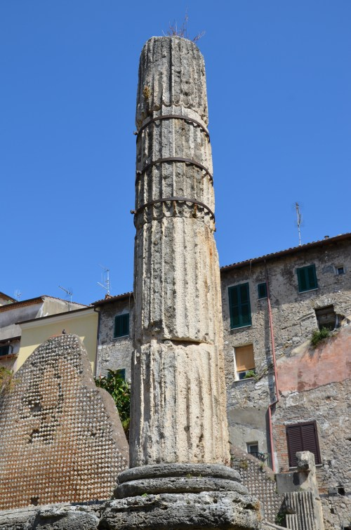 Remaining column in Tuscan-Doric style Capitolium (temple dedicated to Jupiter, Juno аnd Minerva) dating back to ca. 50-40 BC, Terracina (Anxur), Terracina, Italy © Carole Raddato
