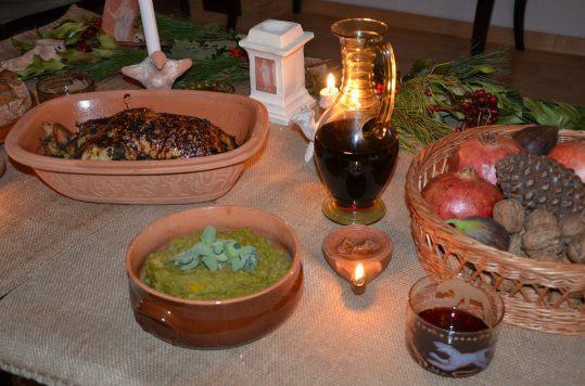 Primae Mensae: Gruem Vel Anatem (Duck in spiced gravy) Apicius, De Re Coquinaria 6,212 & Olus Mole (Mashed Vegetables) Apicius, De Re Coquinaria 3,105