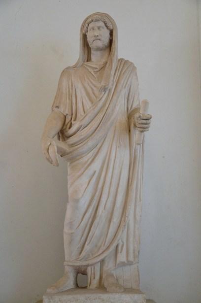 Statue velato capite of Hadrian (maybe) as pontifex maximus.