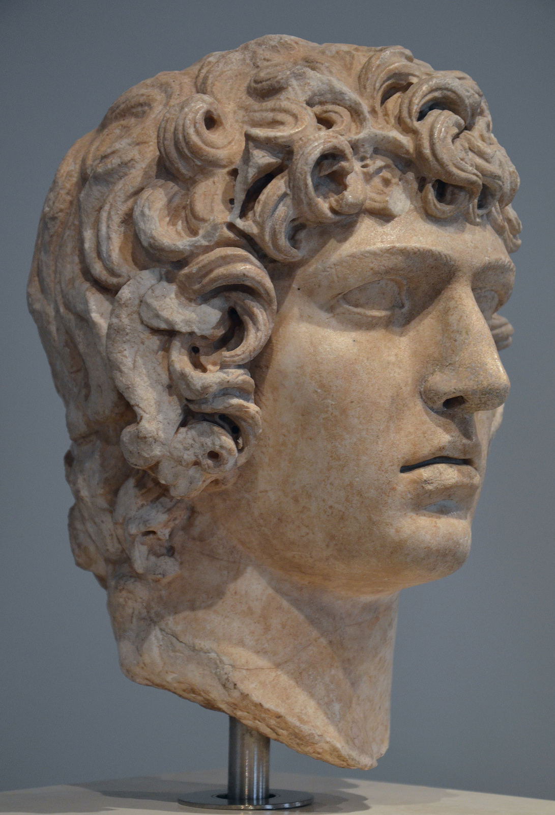 Art And Sculptures From Hadrian S Villa Marble Head Of