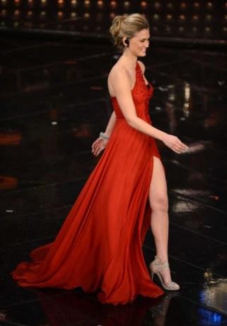 Bar-Refaeli-sanremo-2013-abito-rosso