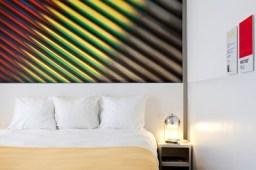 pantone-hotel-room