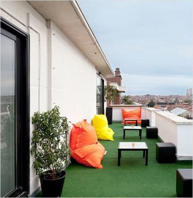 Pantone-Hotel-terrace