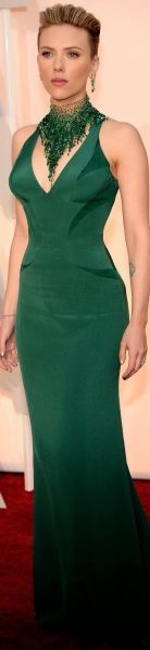 week-end-color-irish-green-look-scarlet-johanson