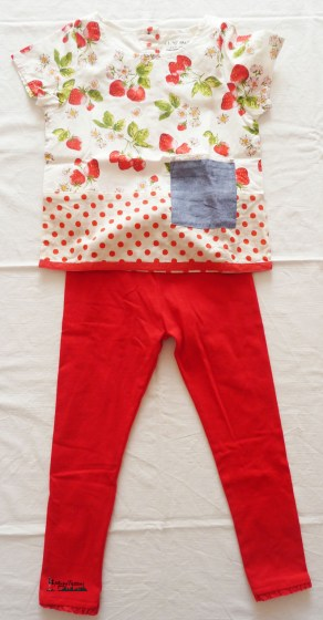 outfit leggings rossi e top strawberry