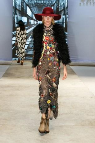 pure-london-fashion-show-fiera-moda-londra-following-your-passion-catwalk-sfilata-6