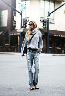 autunno-tempo-di-maglioni-come -abbinarli-maglione-oversize-collo-alto-outfit-boyfriend-jeans