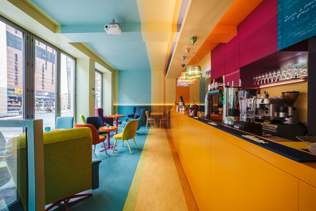 follow-the-colours-cafe-in-01