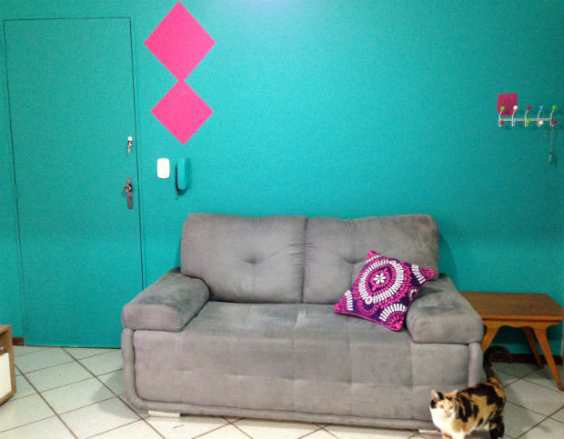 foto follow-the-colours-decora-tintas-coral-padrao-geometrico-14