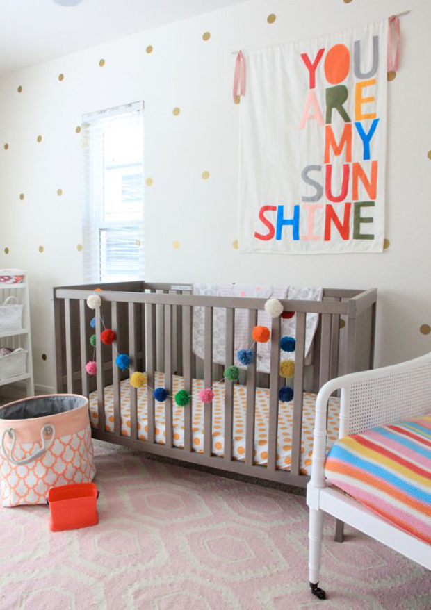 follow-the-colours-parede-bolinhas-DIY-14