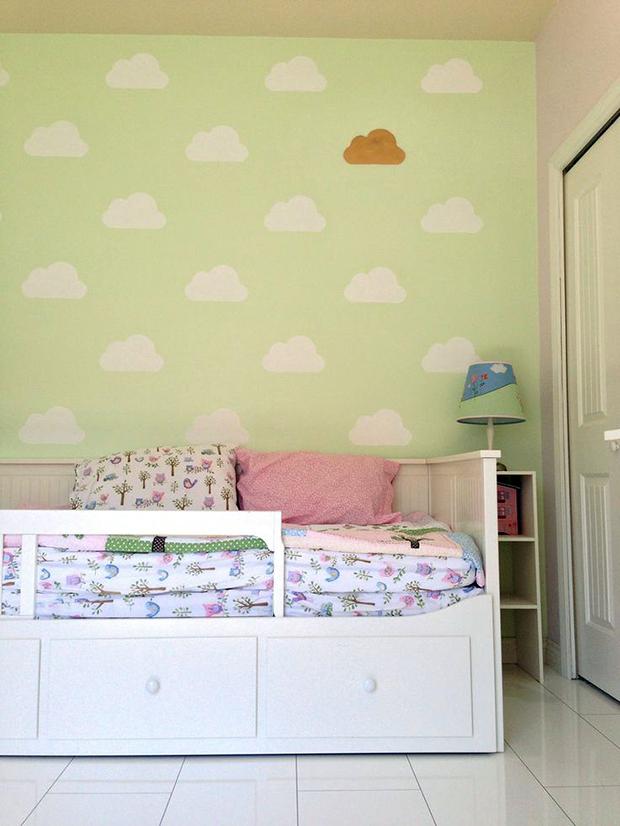 follow-the-colours-stencil-nuvem-parede-DIY-09