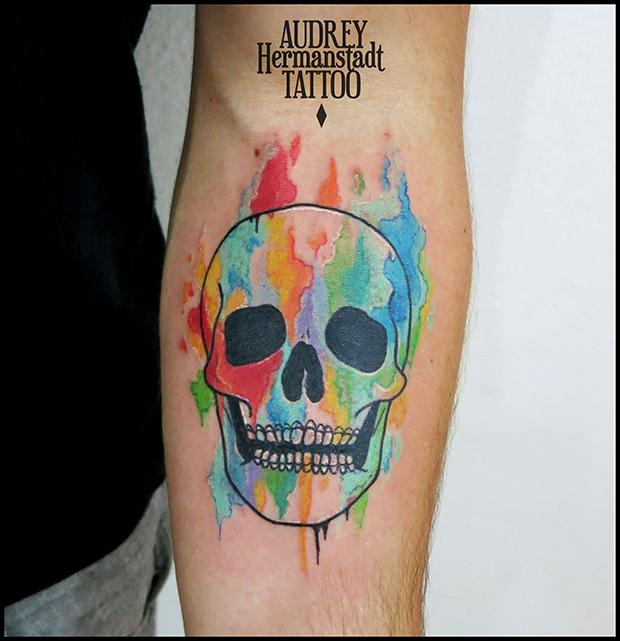 tattoo aquarela Audrey Hermanstadt caveira