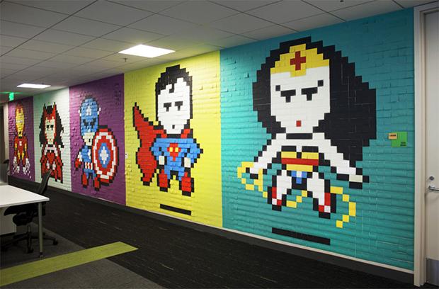 Post its super-heróis escritório Ben Brucker 00