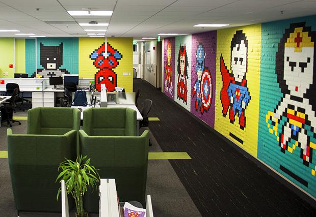 Post its super-heróis escritório Ben Brucker 07