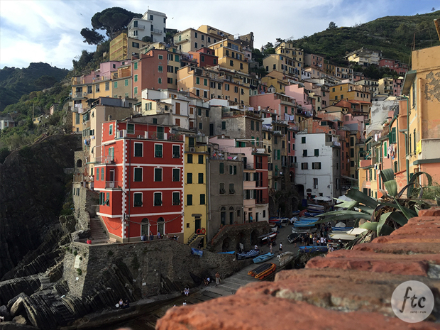 follow-the-colours-cinque-terre-riomaggiore-italia-04