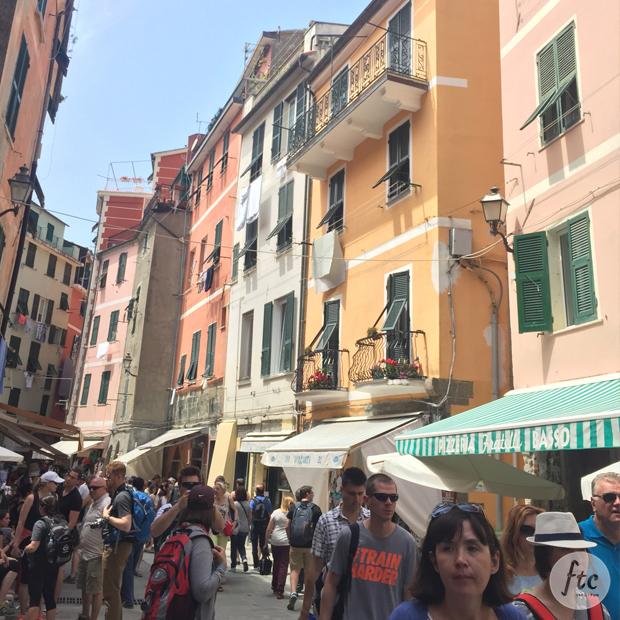 follow-the-colours-cinque-terre-vernazza-italia-03