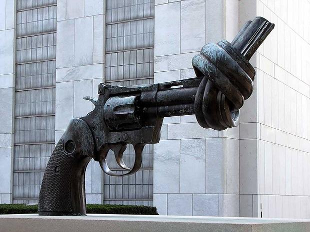esculturas-nao-violencia