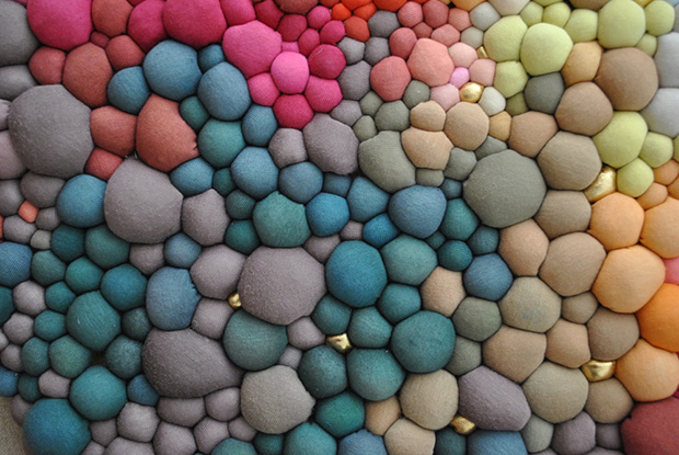 follow-the-colours-arte-bolas-tecido-coloridas-07
