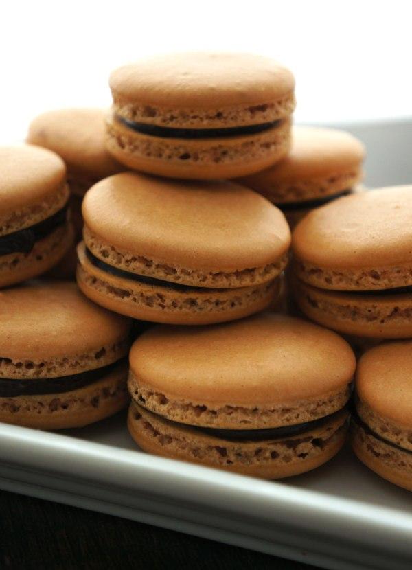 Chocolate-Hazelnut-Macarons9