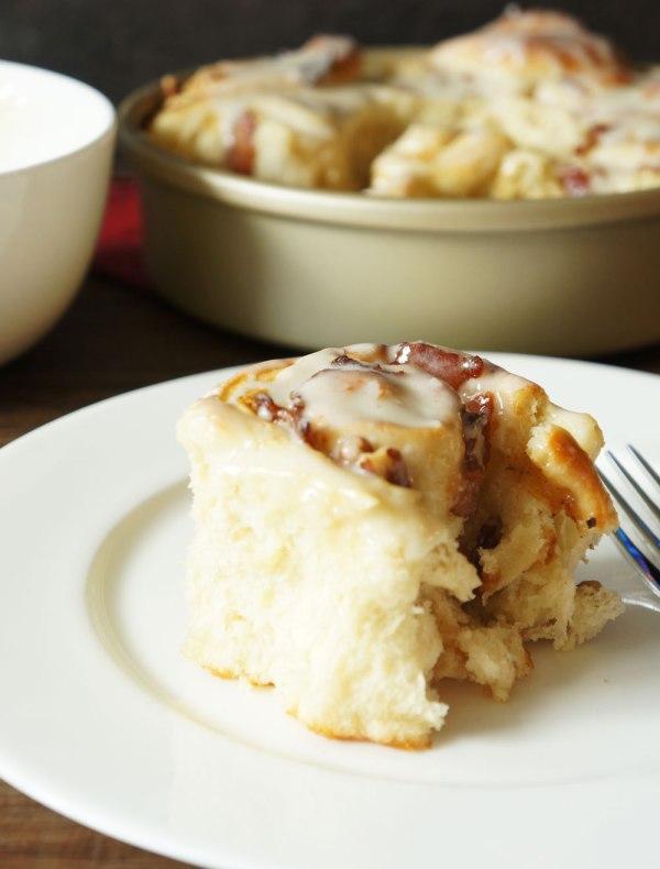 Maple-Bacon-Breakfast-Rolls1
