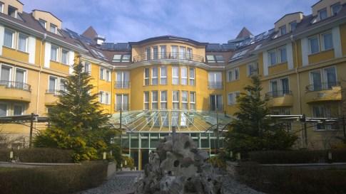 Park Inn by Radisson, restaurant garden