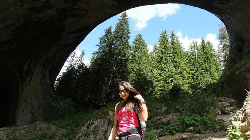 Ellie-happy-at-wonderful-bridges