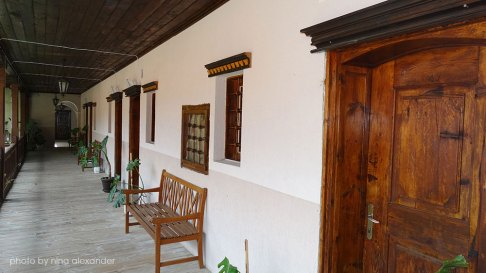 The-external-corridor-between-rooms-in-bachkovo-monastery