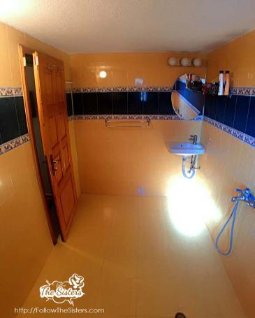 the little house sliven bathroom 2
