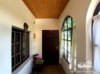 the little house Sliven corridor