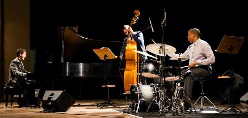 The Justin Kauflin Trio, photo by Gustavo Morita