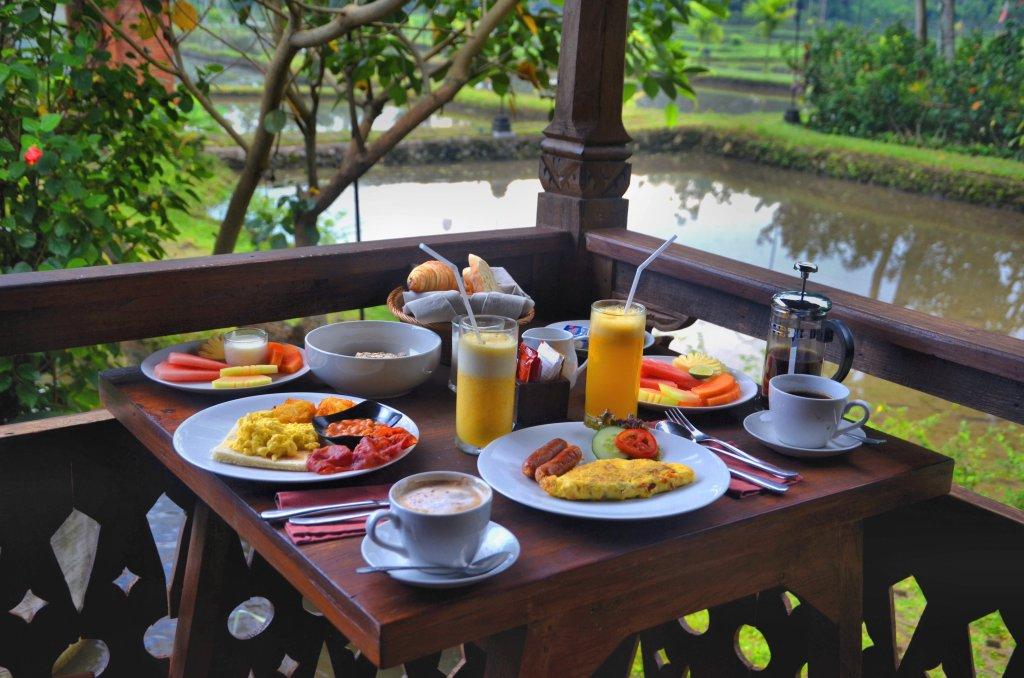 kajane yangloni - najlepszy hotel na bali - śniadanie