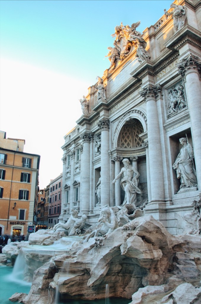fountains of rome walk - roman fountains tour - fontana di trevi