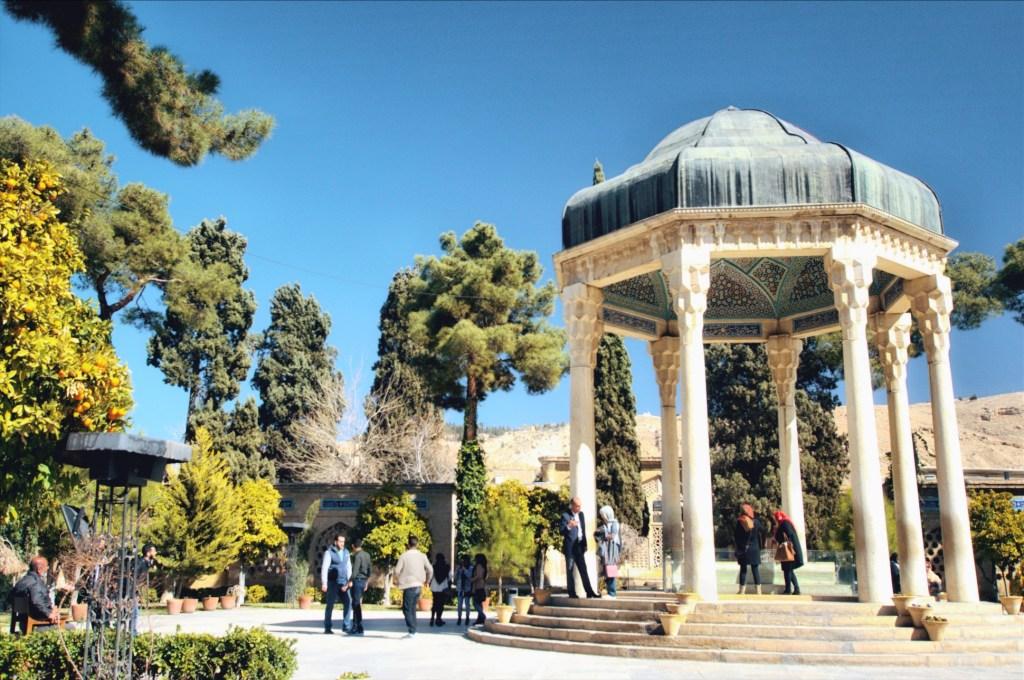 sziraz iran - co warto zobaczyć w sziraz - atrakcje sziraz - grób hafeza