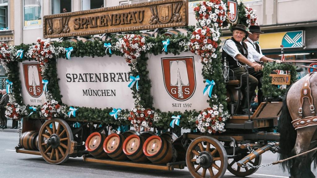Oktoberfest parada browarów