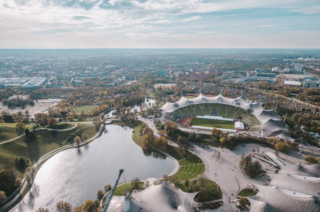 atrakcje monachium - co warto zobaczyć w monachium - zabytki monachium - widok na stadion olimpijski