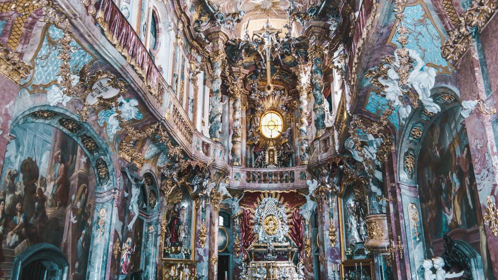 atrakcje monachium - co warto zobaczyć w monachium - zabytki monachium - wnętrze Asamkirche